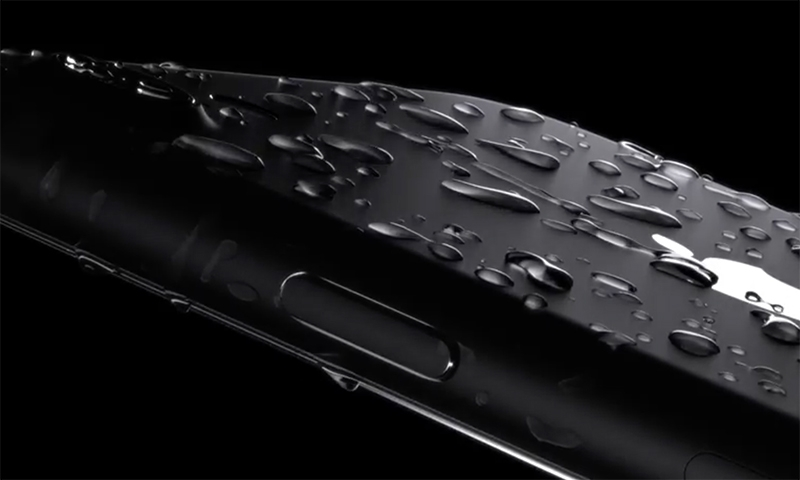 apple-iphone-7-water-resistant-00